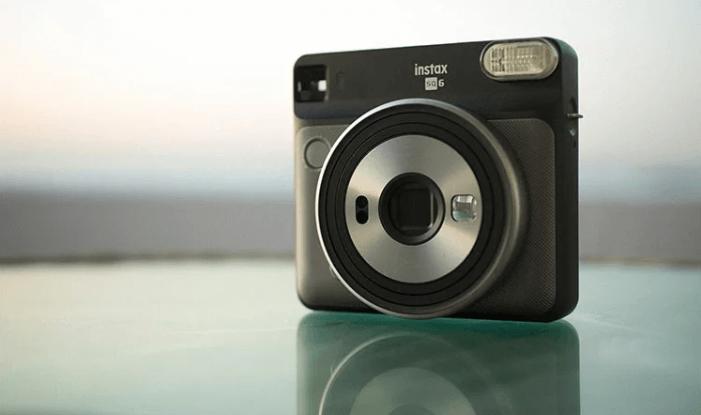 富士フイルム社製インスタントカメラ instax SQUARE SQ6 専用フィルム1パック付 寄附金額62,000円