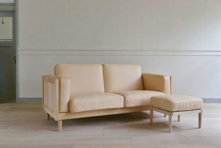Wood Frame Sofa Classic M(ナチュラル革)+Ottoman Classic 寄附金額1,000,000円 イメージ