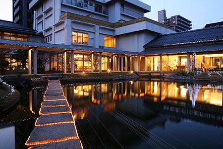 観水庭 こぜにや 1泊2食付きペア宿泊券 寄付金額120,000円(鳥取県鳥取市)