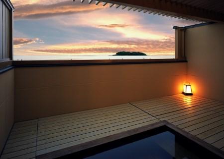 吉良温泉でゆったり平日鮑付きプラン旅館やまとペア宿泊券 寄付金額50,000円(愛知県西尾市)