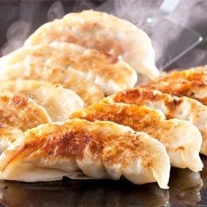 エビ入り餃子と九州産黒豚餃子セットの計50個(福岡県内製造お礼品) イメージ