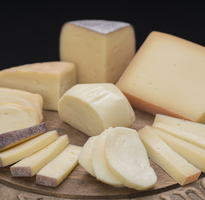 全国流通前の逸品 北海道酪農王国チーズセット 寄付金額10,000円 イメージ
