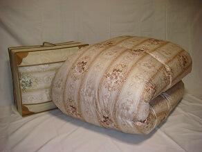 ポーランド産マザーホワイトグースダウン93%羽毛掛布団 ツイン(2層式)キルト(専用カバー付)日本製 寄附金額300,000円 イメージ