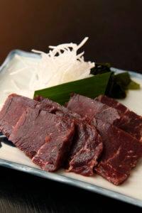 熟成ひげ鯨(イワシ鯨・ミンク鯨等)赤身小切れ 1kg