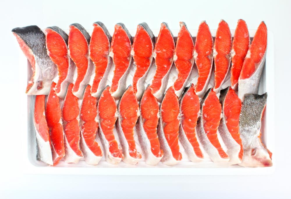 天然紅サケ姿切り約2kg 寄附金額15,000円(静岡県焼津市) イメージ