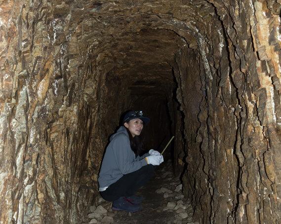 マンガン鉱床の洞窟探検ツアー(4名様ご招待)
