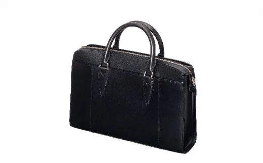 「鞄いたがき」のバッグ
