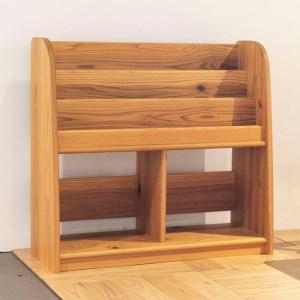 【飛騨の家具】杉の絵本棚