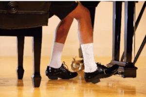 ピアノシューズ