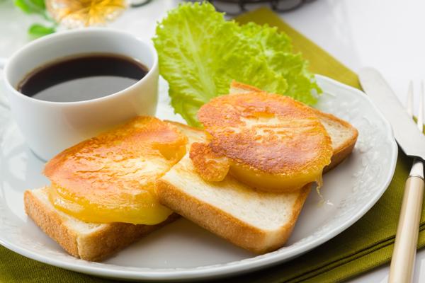 北海道八雲チーズ村のチーズセットはトーストに塗るとおいしい!