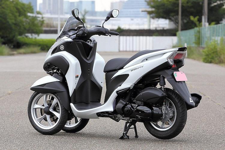 YAMAHA Tricity125(ABS付)125CCバイク 2015モデル 後ろから